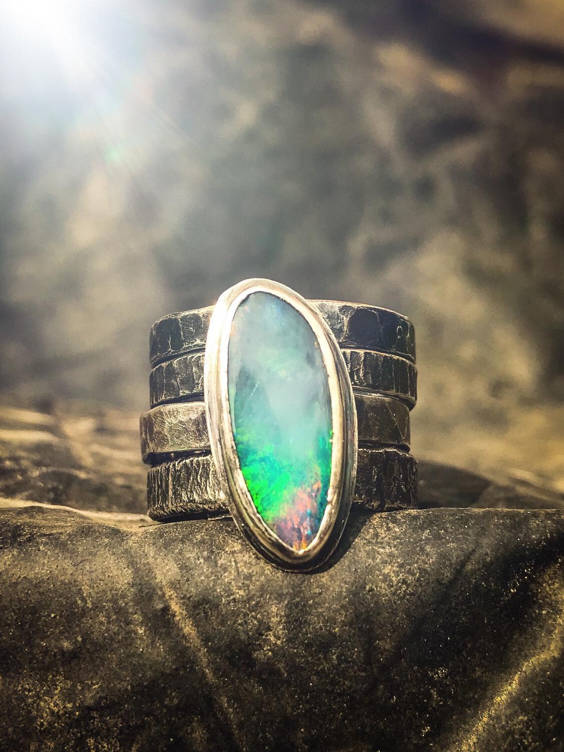 opal ring spinner